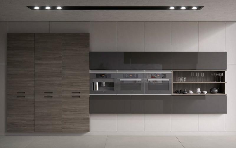 Proyecto de cocina en compacto acabado madera, laca gris y blanco brillo